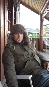 Tilslutt gir vi opp. Sykner ned på verandaen hjemme, med et glass vin og en sigarillo. Piffen har gått litt ut av Rudi...